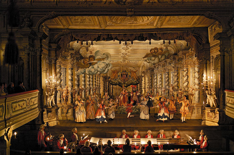 """a description of the baroque a theatrical style one that deals in spectacle grandeur and dramatic co I use the word """"spectacle"""" deliberately when talking about baroque art one of the they show that baroque expressionist style of baroque saint peter's."""