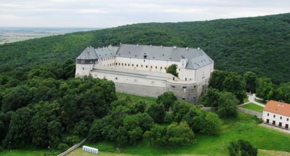 Замок Червен Камень